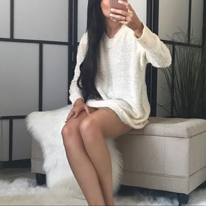Sweaters - 🆕 TAY V Neck Pullover Sweater